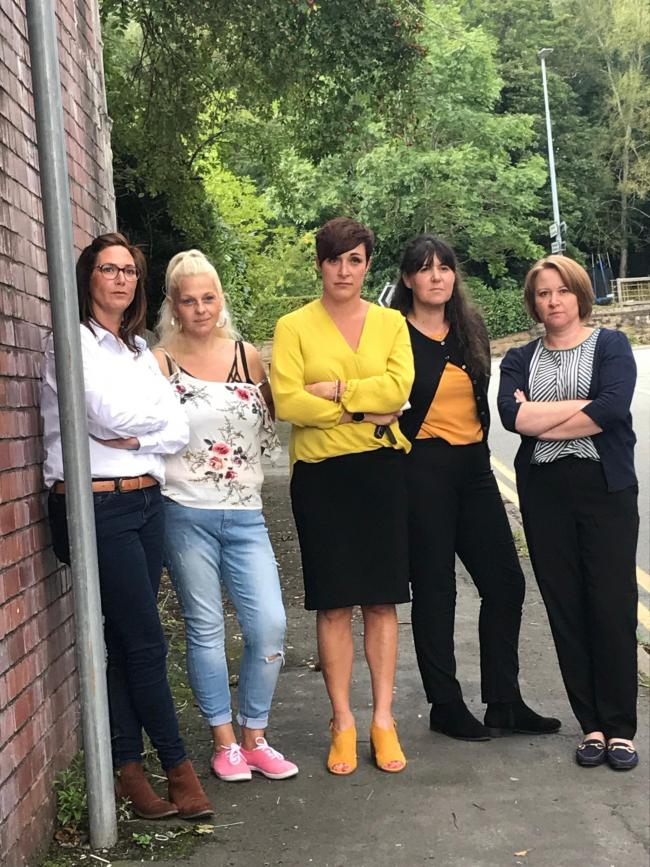 Wrexham parents Anna Jenkins, Donna Roberts, Amanda Holmes, Susan Lloyd and Victoria Milner who are concerned about the bus service taking their children to and from school in Llangollen.