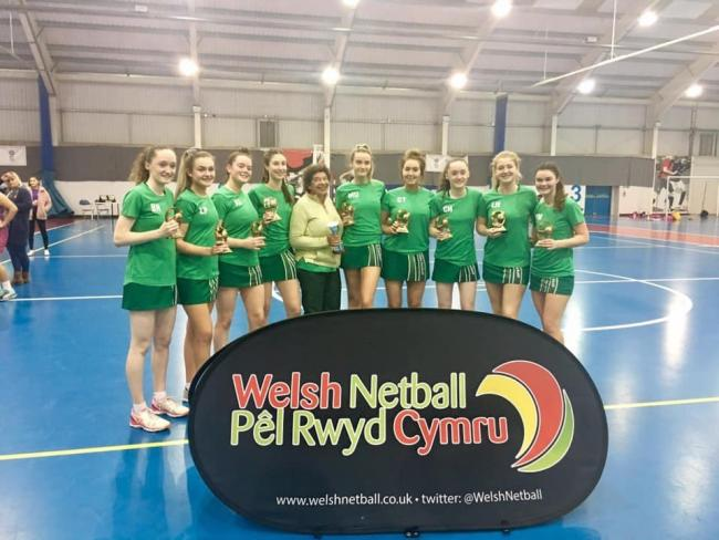 Mollie Underhill and her Deeside U19s coach Merle Hamilton with Sapphira Fisher and the rest of the squad. (L-R) Beca Hughes, Lara Parker, Alicia Simpson, Sapphira Fisher, Mollie Underhill, Caitlin Tyrell, Catrin Hughes, Lucie Hogg, Emily Martin.