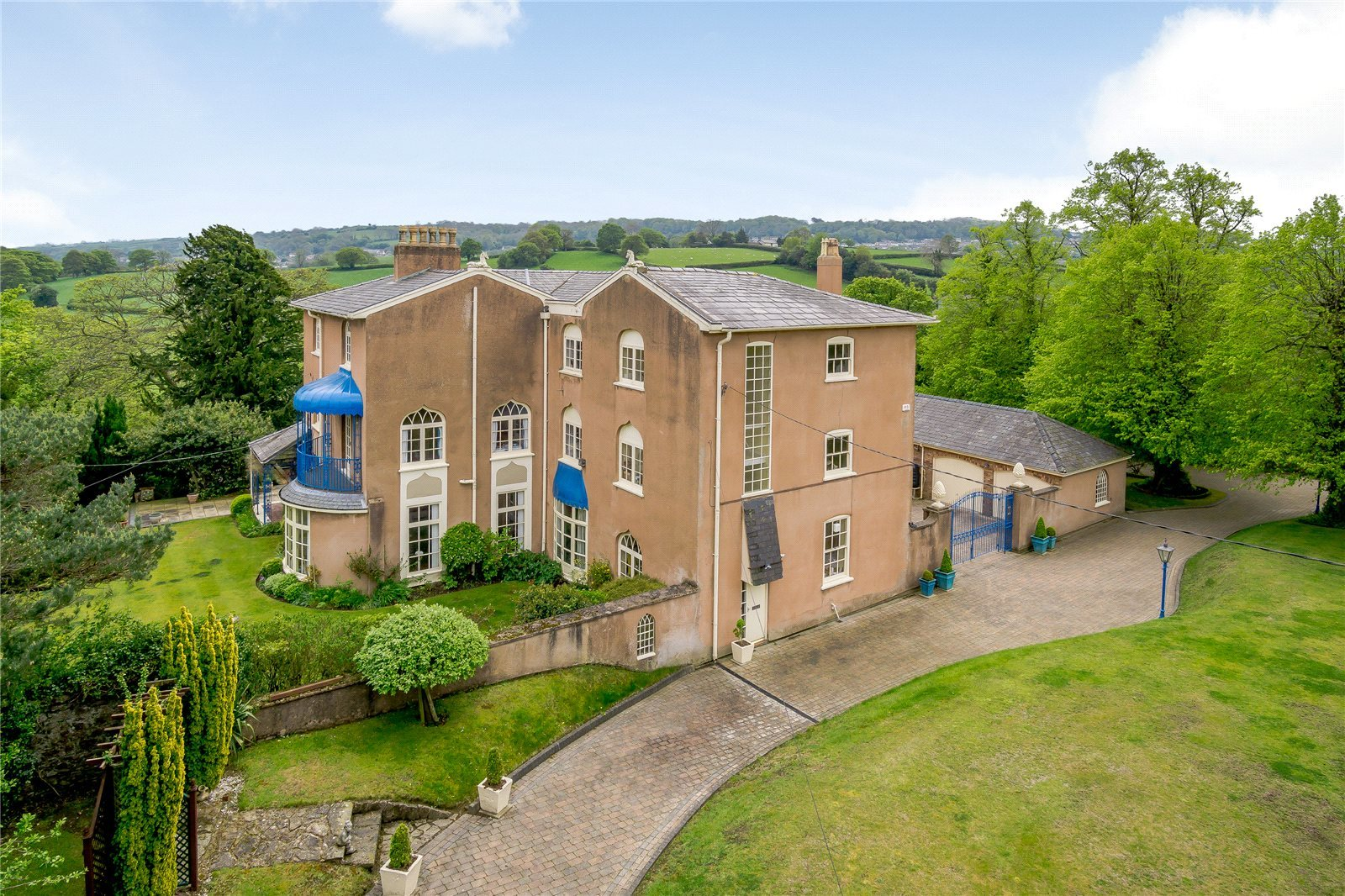 Inside Holywell manor home on the market for almost £3m