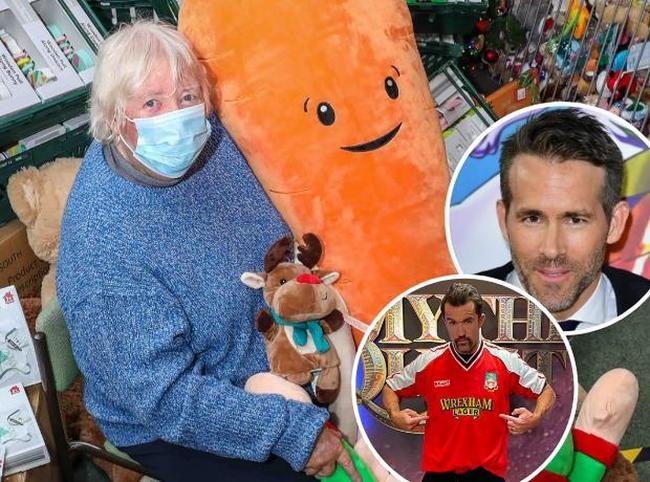 North Wales Superkids founder Margaret Williams MBE initially thought the £10,000 offer from Rob McElhenney and Ryan Reynolds was a scam! [Main Image - Rick Matthews; Inset Images - PA Media & @RMcElhenney/Twitter]