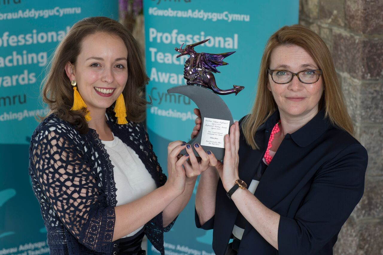 Helen Jones, outstanding new teacher with Cabinet Secretary for Education Kirsty Williams