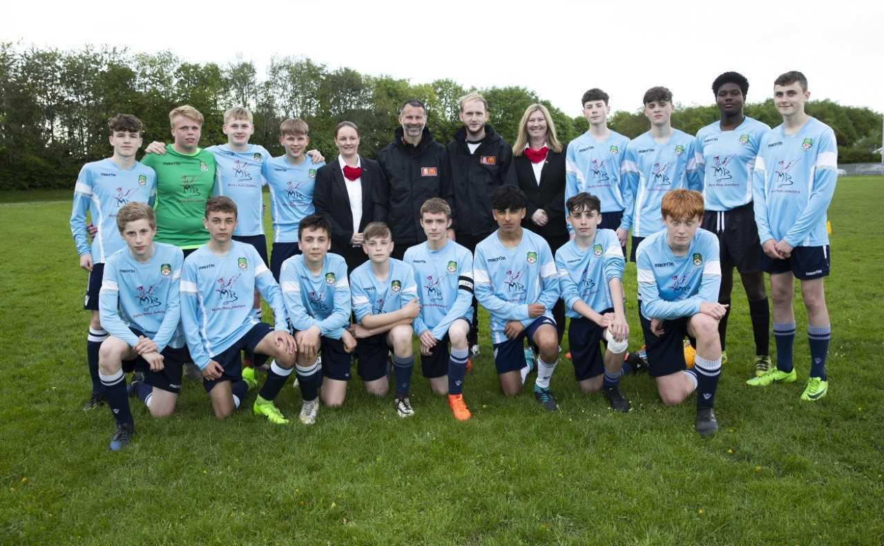 Wales manager Ryan Giggs visited Rhosddu United.