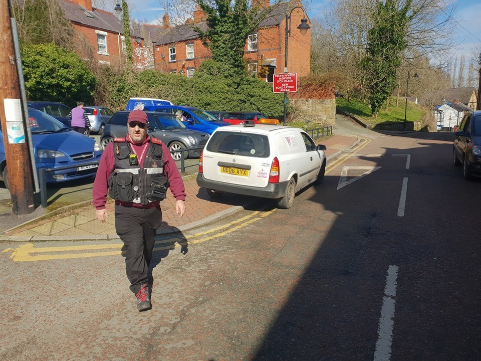 A Wrexham Council enforcement officer was photographed on double yellows whilst out ticketing cars in Cefn Mawr. Source: Please credit Turner Automotive Acrefair