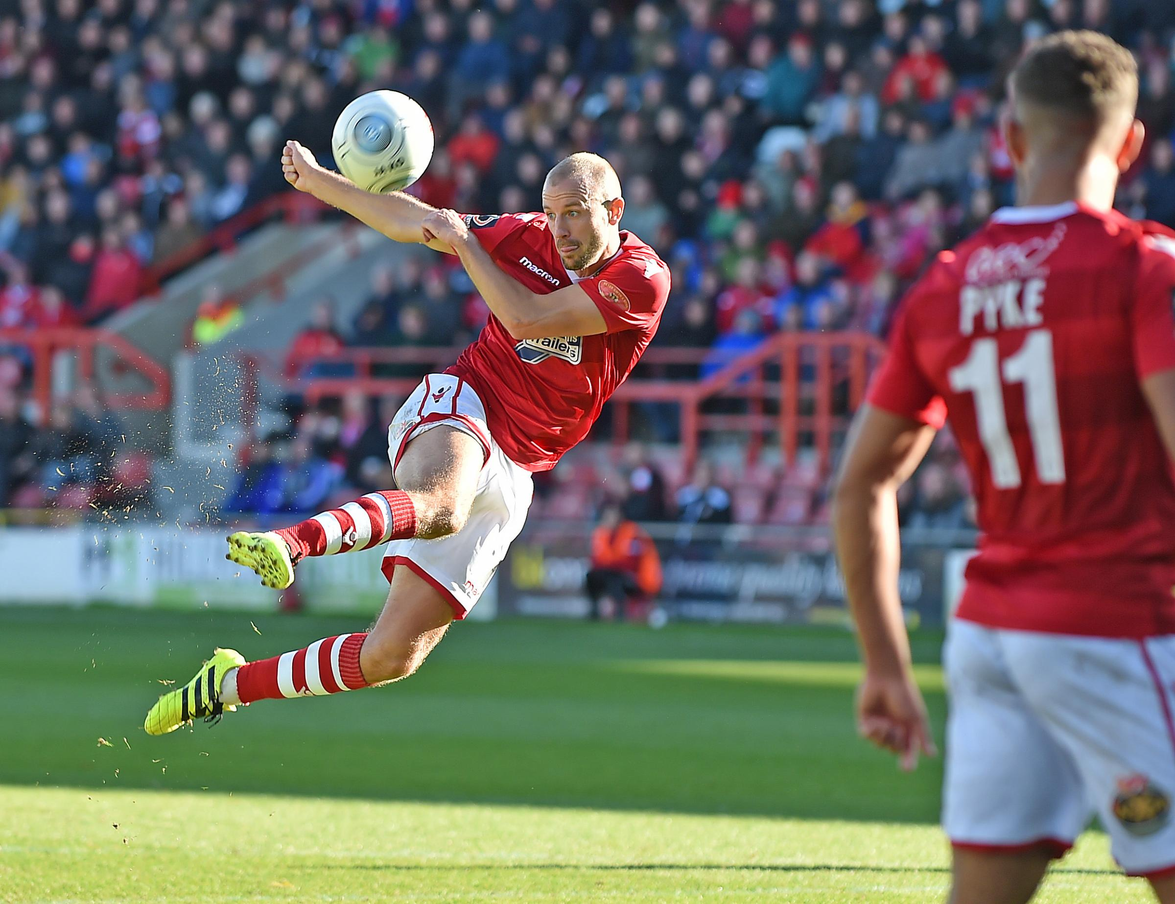Copyright Pic by Andrew Price/View Finder Pictures-Chester 07774611778.Picture taken 061018.  Caption: Wrexham FC v CPD Havant & Waterlooville FC. Wrexhams Luke Summerfield with a spectacular attempt on goal..