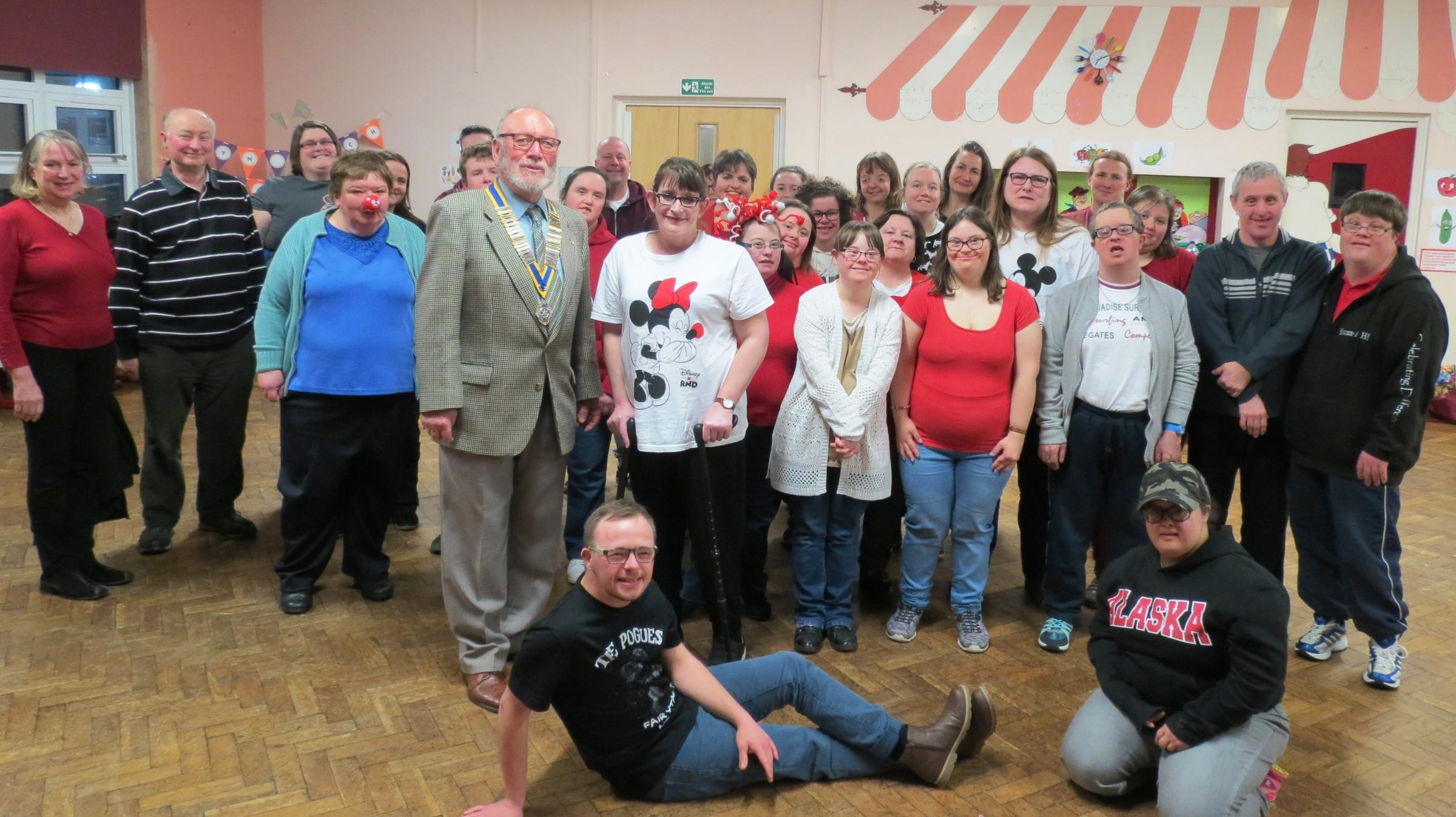 Mold performing arts group receives £900 in donations