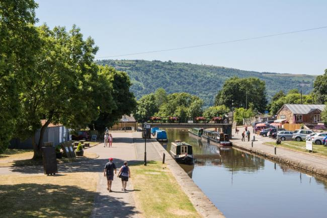 The Trevor Basin, by the Pontcysyllte aqueduct..cc260618H.